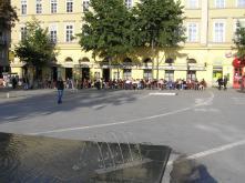 a külföldiek meg az Anna Café teraszát